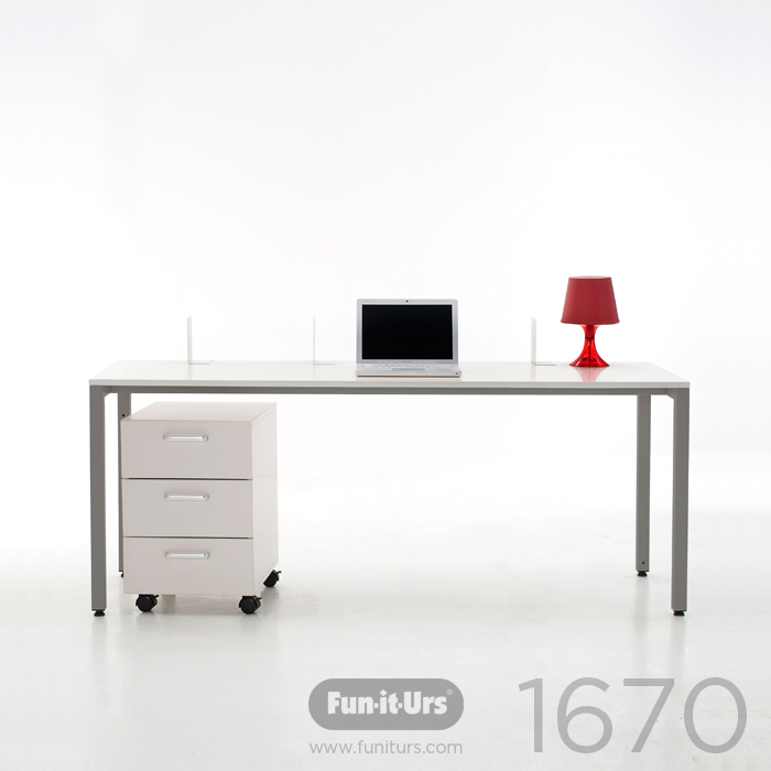 F1DESK 1670 WHITE_GREY
